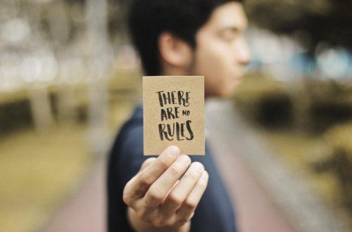 blur-card-city-311716